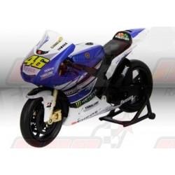 Modèle réduit 1/12 Yamaha Factory Movistar V.Rossi n°46
